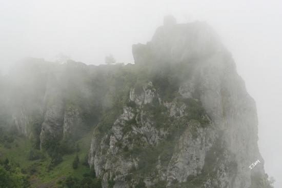 Roquefixade dans le brouillard