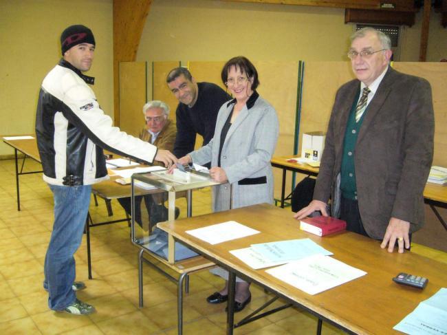 VILLENEUVE D'. - Elections