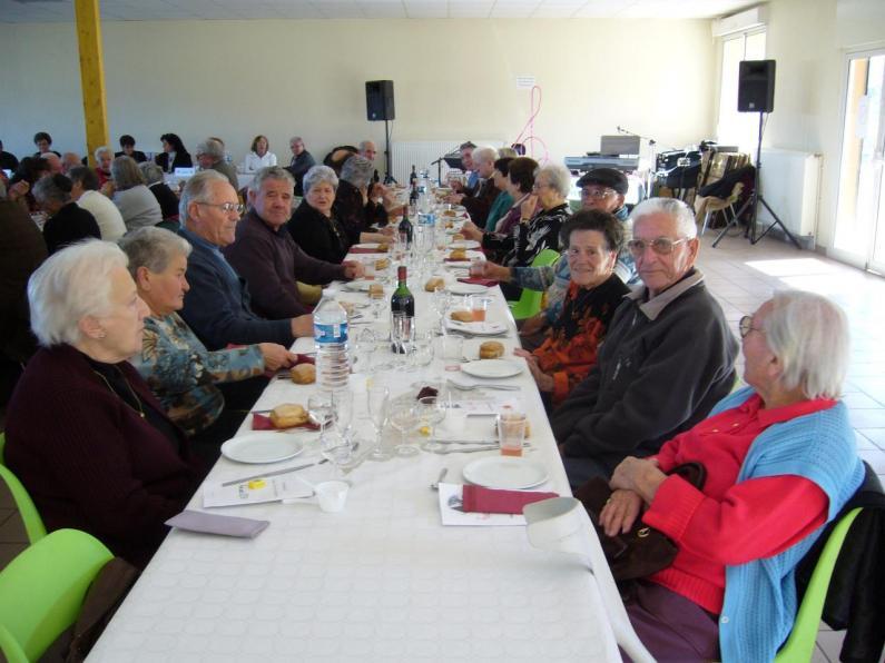 LAROQUE - 1. Repas de l'amitié 2007