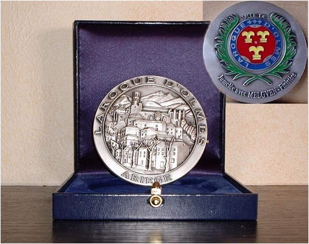 LAROQUE - Médaille de la ville