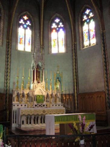 LAROQUE - Eglise et vitreaux